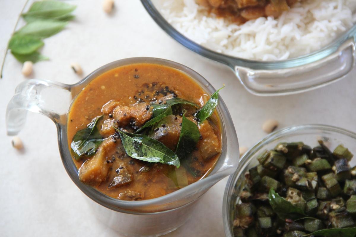 Kathirikai Pitlai |Eggplant Bean Stew